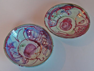 L1000095-a.jpg - Two serving dishes with fish painting