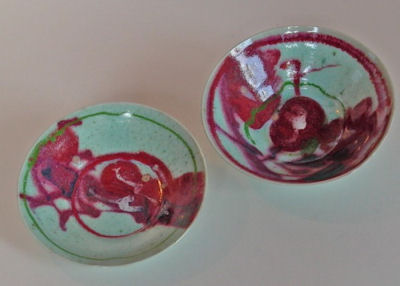 L1000103-a.jpg - Two porcelain bowls- copper decoration