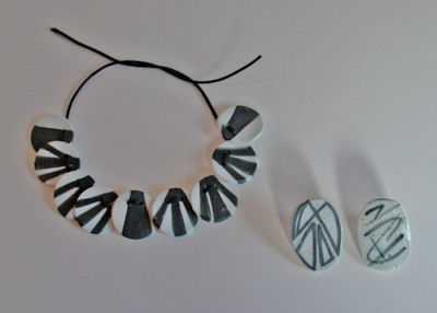 L1000104-a.jpg - Jenny Asenbryl's porcelain jewellery