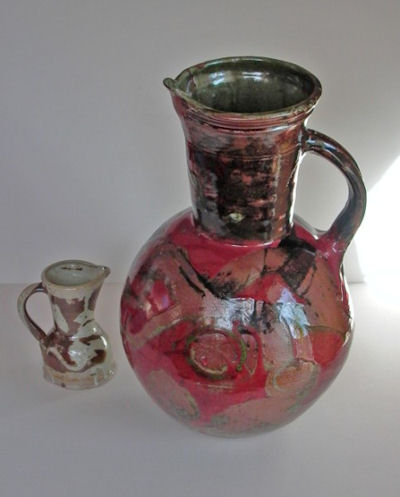 L1000070-a.jpg - Large jug 48cm high.
